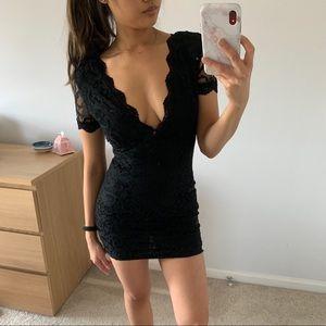 Tovi deep v lace black dress Small